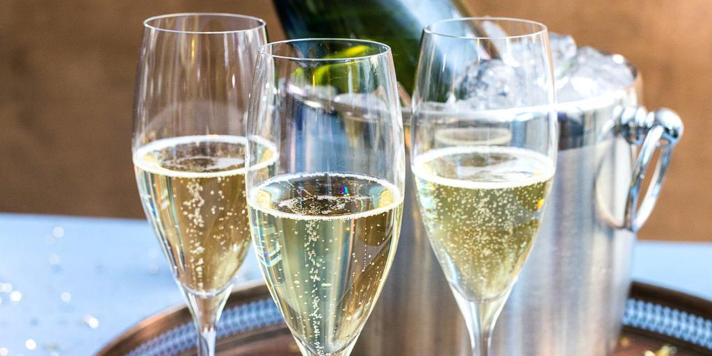 келих шампанського