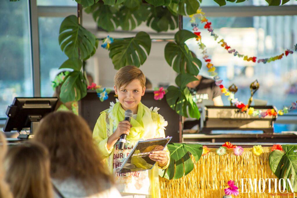 Гавайська вечірка на честь нагородження «Найуспішніших 2019»