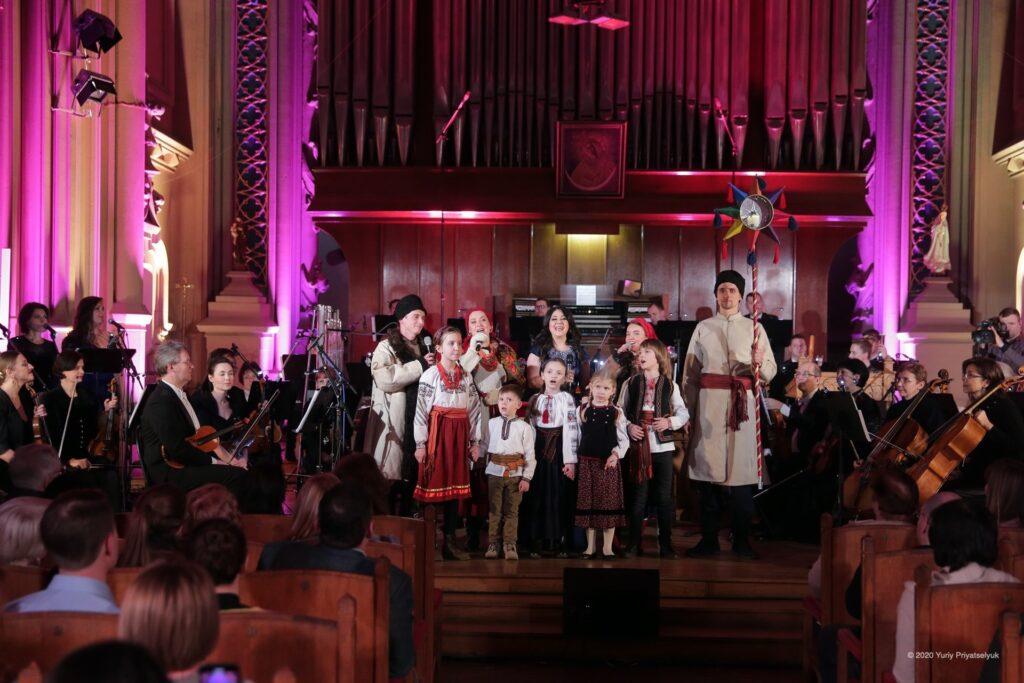 """У готичному костелі відбувся святковий вечір """"Територія Різдва"""""""