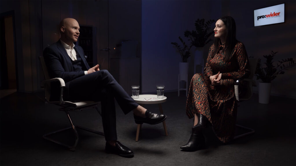 Українська телеведуча Соломія Вітвіцька дала відверте інтерв'ю Владу Дарвіну