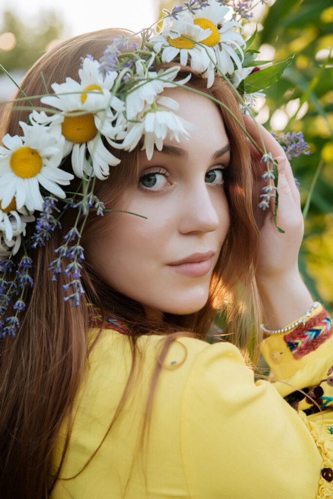 Містика та кохання в новій пісні української співачки Marie Smirnova - «Вишиванка»